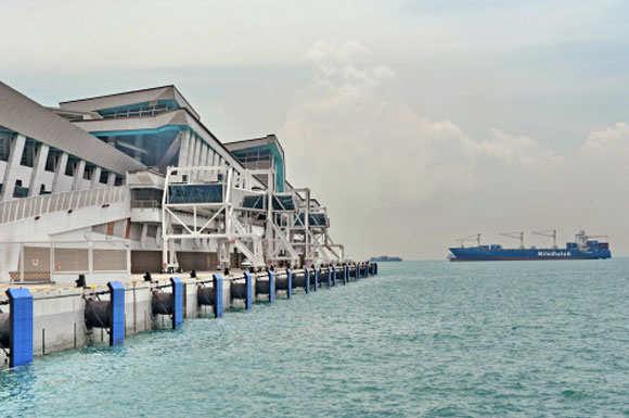 Singapore opens new cruise terminal, eyes Asian market
