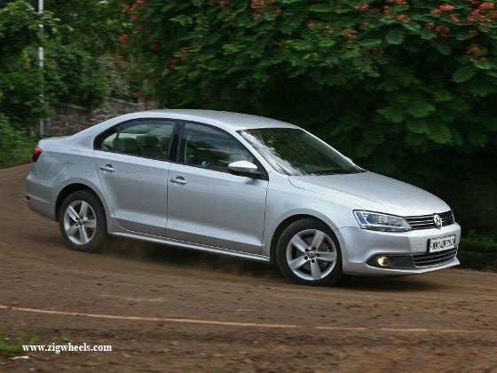 Volkswagen Jetta 1.4 TSI driving