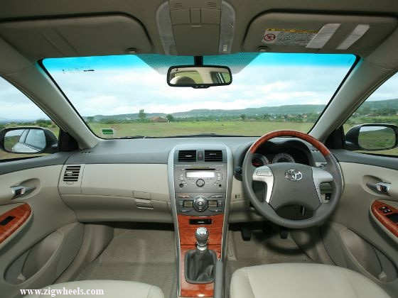 Toyota Corolla Altis interior
