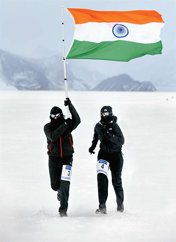 Uma and Krishna Prasad Chigurupati running in Antarctica December 15, 2010