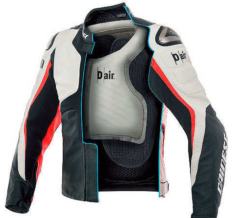 Spotlight: Dainese D-air Misano 1000, SteadXP, Sony Alpha 7S Il and Toshiba Satellite Click 10 all feature this week