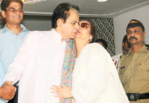 After a week dilip kumar discharged from hospital for Saira banu granddaughter