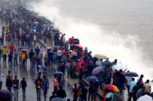Author Amitav Ghosh has bad news for Mumbai, says city's location makes it vulnerable to climate change