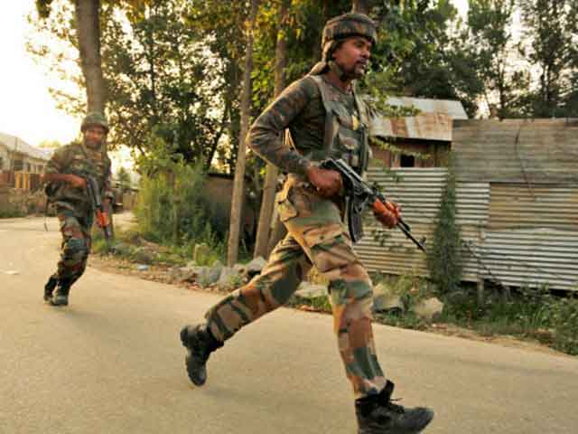 Militants attack security forces' picket in Kulgam, no one hurt