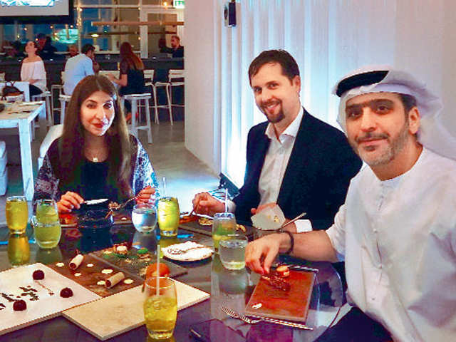 Explore Dubai: A paradise for foodie travellers!
