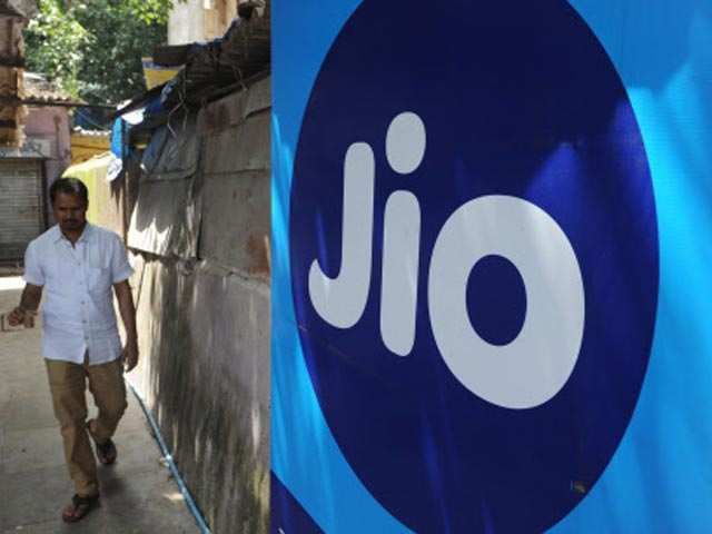 Reliance Jio data speed double that of rivals' in December