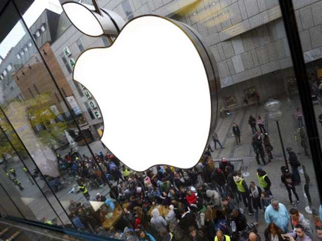Top level exits plague Apple in India