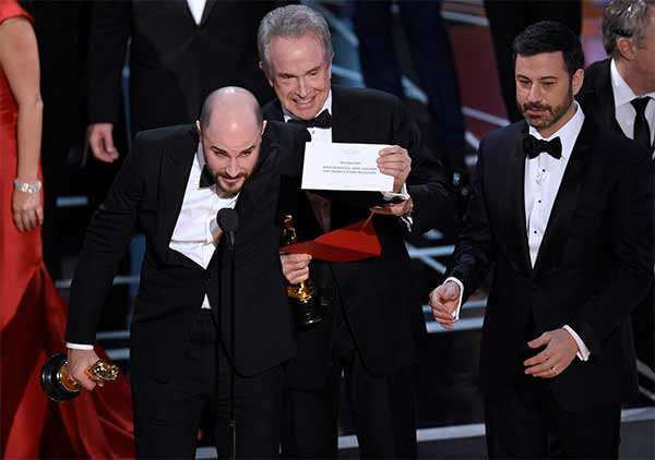 Oscars 2017 round-up: PwC apologises for goof-up, Miss Universe offers advice