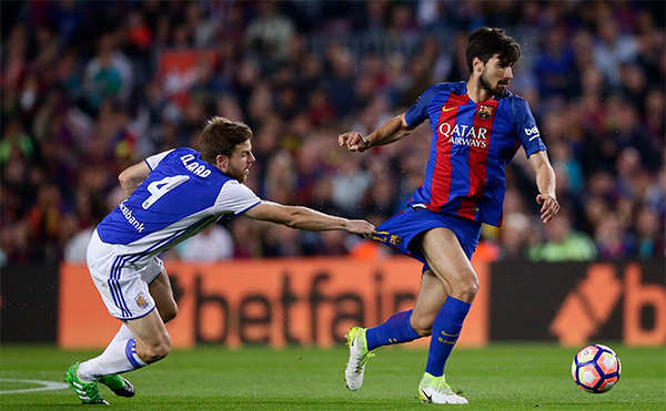 Mascherano scores 1st official goal for Barça
