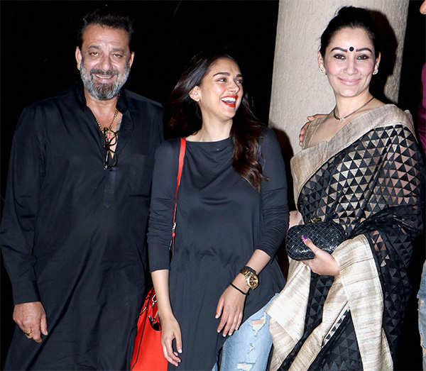 Fire on the set of Sanjay Dutt's film 'Bhoomi'