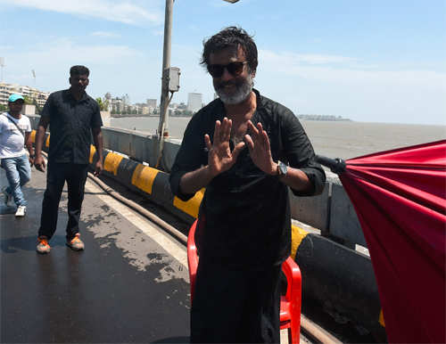 Rajinikanth promises to meet his fans again!