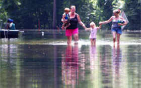 Swollen rivers cause Texas to worry about flooding