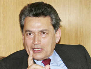 Rajat Gupta charged in Goldman Sachs insider trading scam