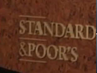 "Assocham today rejected Standard & Poor's threat to downgrade India's rating, and said the global agency's warning is an ""overstatement and unwarranted""."