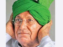 Chautala, meanwhile, demanded an inquiry into Congress government's role in 'favoring' DLF and Robert Vadra.