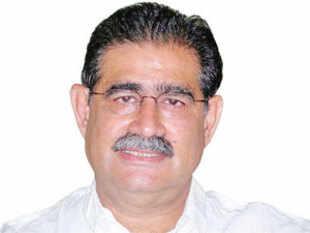 Mahesh Uppal, Consultant