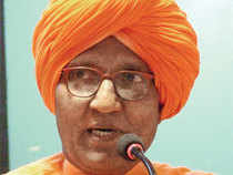 Activist Swami Agnivesh has accused the Haryana government of illegally diverting precious land parcels in the state to DLF.