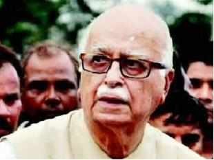 Senior BJP leader LK Advani has stressed on the need for the party to provide clean politics, signalling mounting pressure on party president Nitin Gadkari over allegations of corruption despite an RSS-endorsed clean chit.