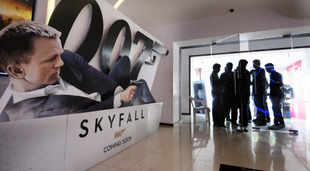 The film earned $30.8 million on Saturday, including $2.4 million in midnight showings, the box-office tracker said on Sunday in an emailed statement. Sales outside the US and Canada for Skyfall are $347 million as of November 8, Hollywood.com said.