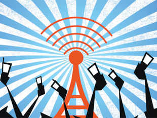 Industry executives say that the Tatas 'stand a sure shot chance' of getting start-up airwaves in Delhi as they don't see any of the mobile phone companies making a late attempt to win airwaves.