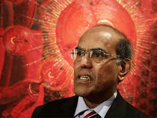 File photo: D Subbarao, governor of Reserve Bank of India speaks during an interview at a hotel in Mexico City November 5, 2012. (Reuters photo)