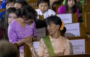 After meeting the members of a women's self-help group in Anantpur district's Papasanipallu village on Sunday, Aung San Suu Kyi reflected that India had made some progress in empowering women.