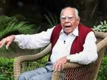 Suspended BJP MP Ram Jethmalani today mounted a fresh attack on party President Nitin Gadkari, accusing him of dragging the party on a suicidal path and took potshots at Arun Jaitley and Sushma Swaraj over the appointment of new CBI Director.