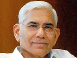 """A group of retired government auditors, officers of the Indian Audits and Accounts Service came out in support of CAG Vinod Rai, against what they termed the """"unprecedented, prolonged and fierce campaign"""" adopted by the government and Congress over the audit on the 2G allocation."""