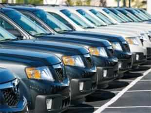 The festive season this year has turned out to be a mixed bag for the automobile industry, with Maruti Suzuki and Mahindra & Mahindra posting good growth, while Hyundai Motor and Tata Motors witnessing their domestic sales declining in November.