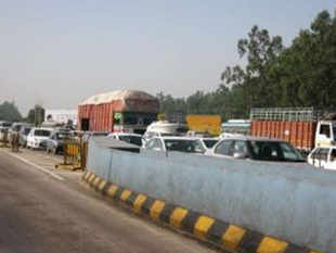 erhaps, the deadliest stretch in the country falls on the Delhi-Gurgaon border on NH8. Data available with TOI shows that 260 lives were lost on this 40-km stretch last year.