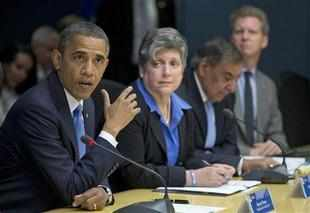 US President Barack Obama today urged the Congress to extend the middle class tax cut that is set to end this month.