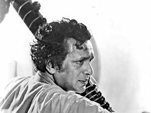 Pandit Ravi Shankar was one of the four main pillars of modern sitarplaying , along with Ustad Vilayat Khan, Pandit Nikhil Banerjee and Ustad Abdul Halim Jaffer Khan