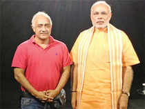 That's Not the Real Modi: nChant 3D promoter Shankar Nath with the 3D hologram of Gujarat chief minister Narendra Modi