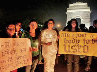RAISING THEIR VOICE: Protesters at India Gate in New Delhi on Tuesday— PTI