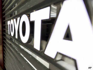 Toyota's plans to get Lexus to India were announced by a senior company official on the sidelines of the Tokyo Motor Show in late 2011. The company had plans to have separate dealerships for the brand, as is the case in most markets where Toyota and Lexus are retailed.