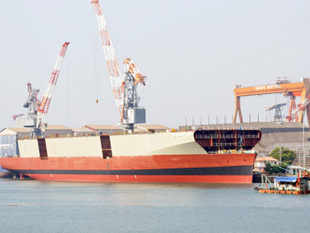 ABG Shipyard plans to invest Rs 7,000 crore in Gujarat for setting up a new facility as well as augmenting capacity at two existing units.