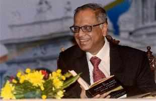 Infosys co-founder N R Narayana Murthy today called for speedy trials, saying inordinate delay in justice delivery is making the public lose faith in judiciary.