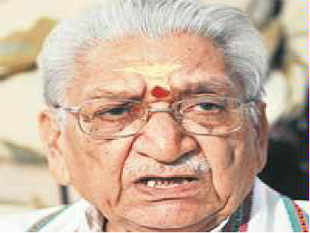 VHP chief Ashok Singhal said that Modi is as popular as Nehru.