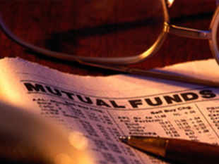 According to recent data release by AMFI, equity funds have seen net outflows of Rs 2,501 cr and gilt funds have seen net inflows of Rs 1,145 cr