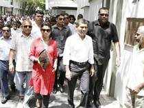 Former Maldives President Nasheed walks to the Indian High Commission with his supporters and party members in Male.