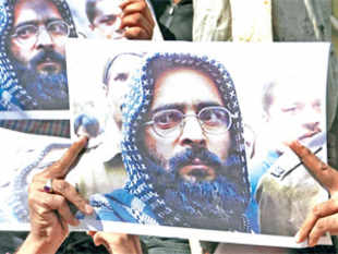 Opportunistic politics and brinkmanship should not destroy the fragile peace, shush the new-found voices of Kashmir.