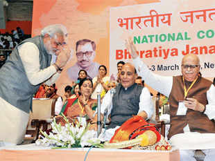 ILLUSTRIOUS COMPANY: Narendra Modi, Sushma Swaraj, Rajnath Singh & LK Advani on the second day of the BJP meet in New Delhi on March 3, 2013