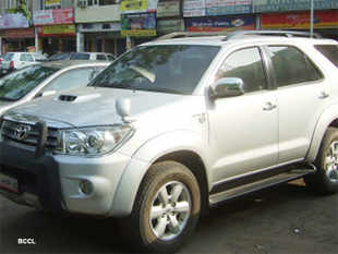 30% excise duty on SUVs to remain, sedans may be exempted