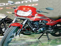HMSI plans to sell 6 lakh units of this new bike in FY14, which will be just 25% of the Hero Splendor family's annual sales of 2.1-2.2 mn units.