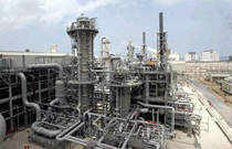 Petronet LNG Ltd plans to raise Rs 600 crore in debt to fund expansion of its Dahej LNG terminal in Gujarat.