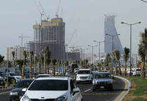 Saudi Arabia gives illegal foreign workers three months' grace to regularise status