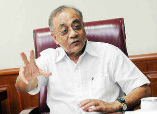 Tribal affairs minister Kishore Chandra Deo has now backed the PMO report recommending dilution of tribal rights over forests hindering industrial ventures.