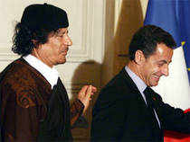 Former president Nicolas Sarkozy is to be investigated over allegations that he accepted cash from former Libyan dictator Kadhafi.