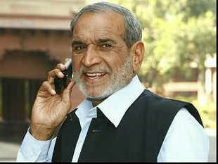 Sajjan Kumar told the trial court that he had provided relief to the victims and had also participated in a peace march with then PM Rajiv Gandhi.