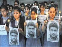The mortal remains of Sarabjit Singh were today consigned to flames in his village with full state honours amid emotional scenes.
